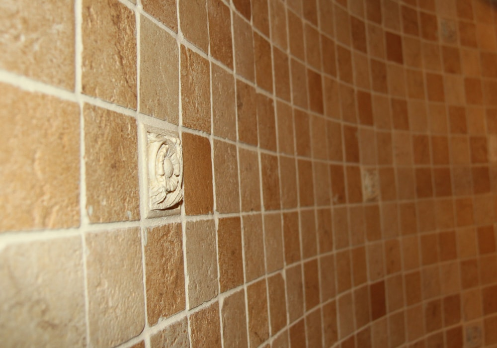 natural-stone-mosaic-curved-shower