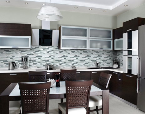 Kitchen Interior - Glass stone linear blend by Daltile