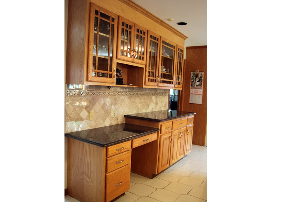natural-stone-backsplash