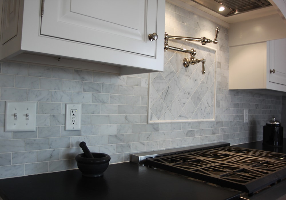 stone-tile-mosaic-backsplash