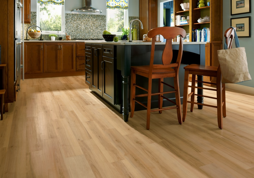 Armstrong Luxe Vinyl Sugar Creek Maple Natural