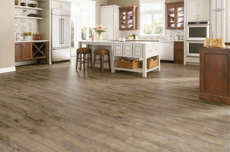 Wire brush oak laminate flooring